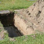 قبر میں ثواب یا عذاب کس طرح دیا جائے گا؟ قبر کے عذاب و ثواب پر شبہات اور ان کے جوابب